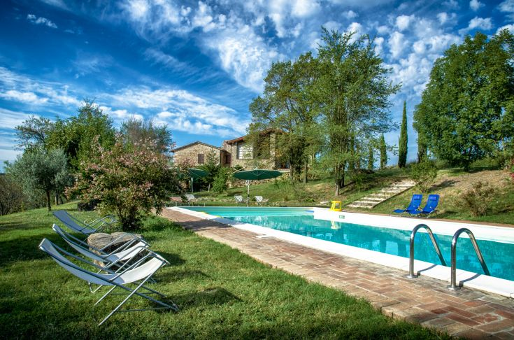 Casa Vacanze in Umbria, holiday home with swimming pool in Italy, holiday letting, family friendly, baby friendly, pet friendly