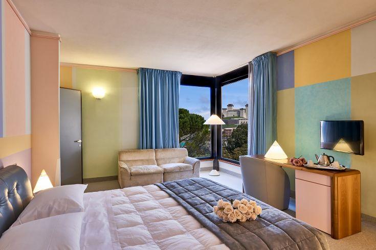 Una delle Suite dell'Albornoz Palace Hotel con vista sulle maggiori attrazioni artistiche e architettoniche di Spoleto