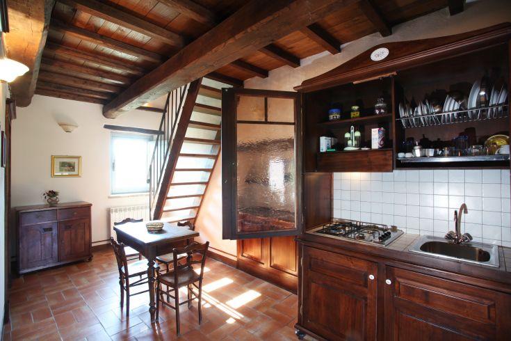 Appartamento da 4 a 6 persone / su due piani / cucina soggiorno - camera matrimoniale al piano inferiore - bagno e sopplaco grande al piano superiore