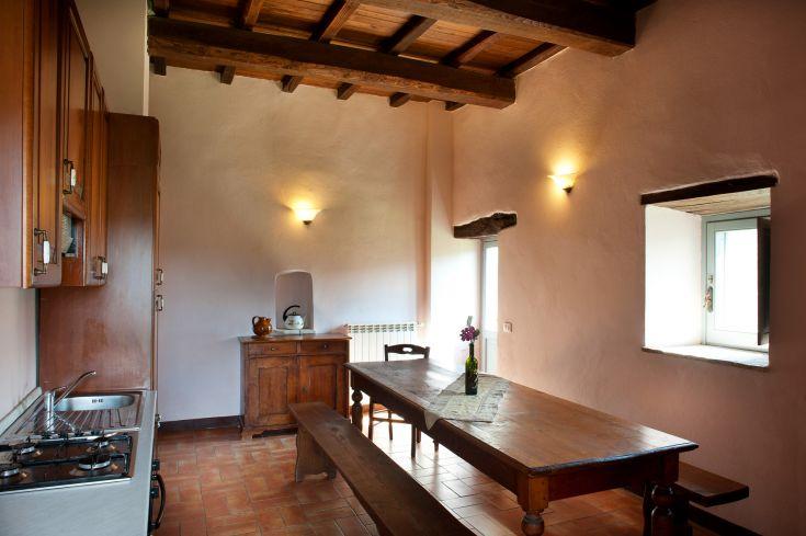 Appartamento da 4 persone con giardino / su unico piano senza scale / cucina grande con tavolo spazioso - 2 camere matrimoniali (o con letti singoli)  - bagno