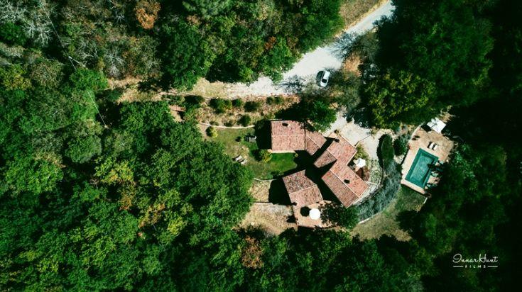 The complex Molinella is made up of 3 houses: one villa (il Casale) and 2 cottages (la Roverella and Il Girasole).