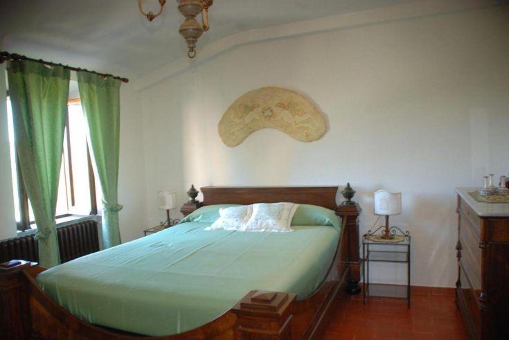 Agriturismo Gubbio. Agriturismo Le Volte. Edera è caratteristica da l'ampio letto lungo 2,15 m.